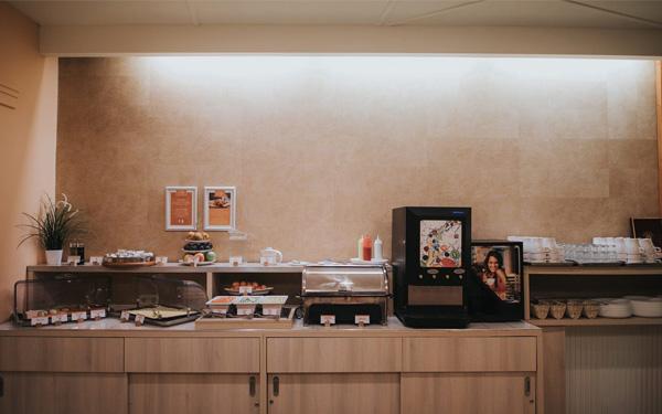 Thiết kế khu bếp đảm bảo vệ sinh và đầy đủ trang thiết bị hiện đại