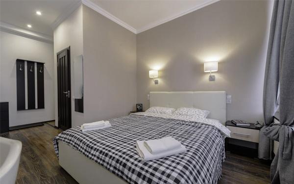 Thiết kế phòng ngủ với màu sắc tươi sáng tạo cảm giác thoải mái cho khách hàng