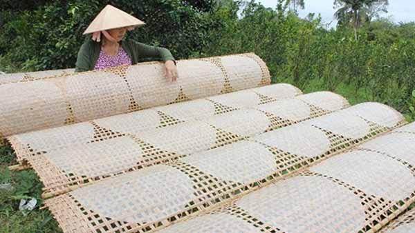 Nghề làm bánh tráng tại Tân An đã có tuổi đời hàng trăm năm
