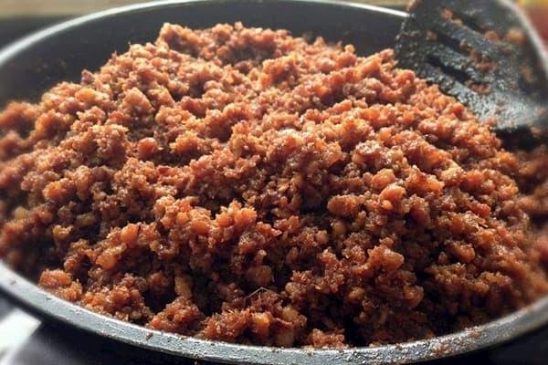 Mắm tép chưng thịt băm - món ăn hấp dẫn ngày mưa gió