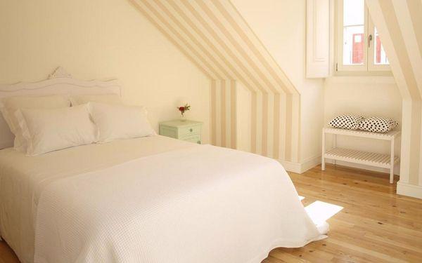 Phòng ngủ thiết kế nhỏ gọn với tông màu sáng dịu dàng
