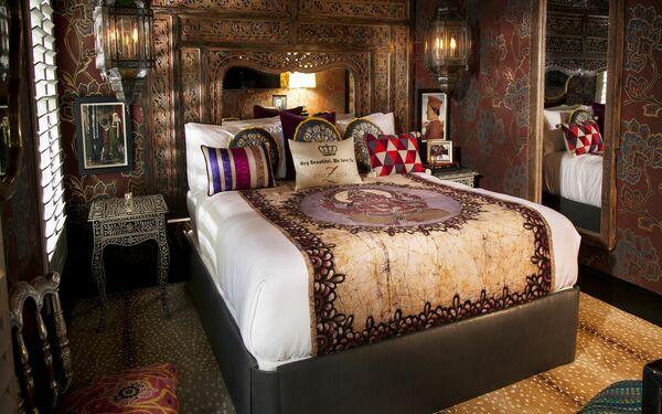 Phong cách phòng ngủ hoàng gia với những đường nét hoa văn tinh sảo