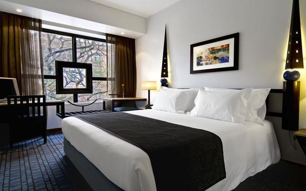 Trang trí nội thất với thiết kế độc đáo nổi bật trong căn phòng