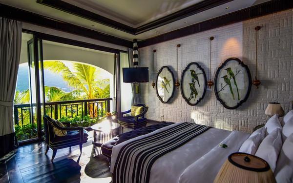 Phòng ngủ không gian mở sinh động của InterContinental Danang Sun Peninsula Resort
