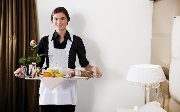 Room Service là gì? Hình thức phục vụ tại phòng tiện lợi thế nào?