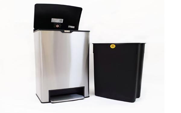 Mẫu thùng rác vuông đạp có dung tích 40l thường sử dụng trong phòng ngủ khách sạn