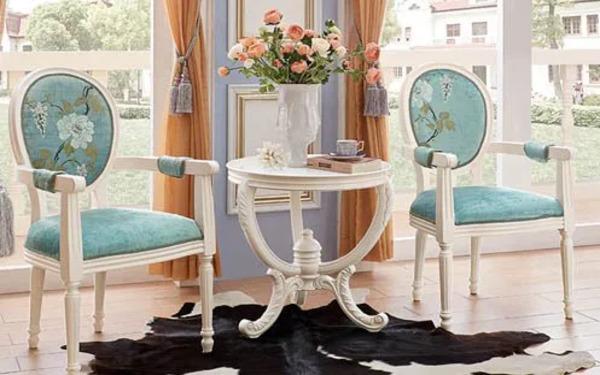 Mẫu bộ bàn ghế trong phòng ngủ theo phong cách cổ điển quý phái