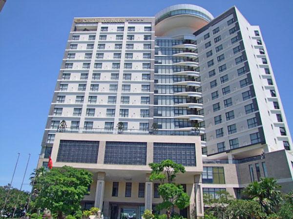 Khách sạn CenDeluxe hiện đại