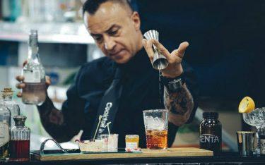 Giải đáp Bartender là gì và những câu hỏi liên quan thường gặp
