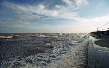 Ngày hè ý nghĩa tại bãi biển Quất Lâm đẹp nhất Nam Định