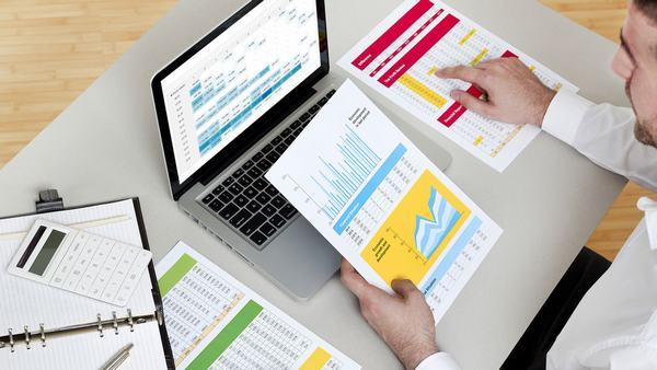 Công việc kế toán liên quan đến tài chính, tiền tệ