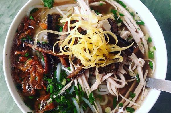 Là món ăn với nguyên liệu chính là lươn đồng