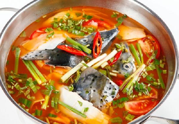 Đầu cá tầm Kon Tum được cấu tạo trong khoảng sụn nên rất giòn và ngọt