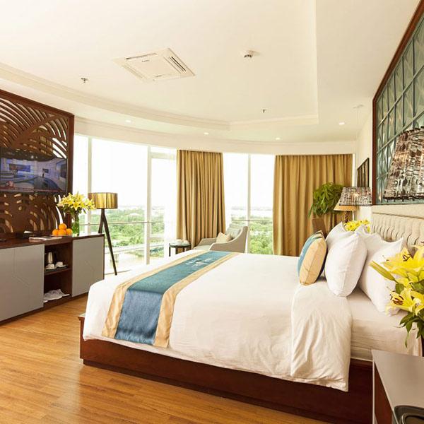 Phòng ngủ khách sạn cần được trang bị đầy đủ giường cùng chăn ga gối