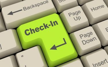 Check-in là gì? Thủ tục check-in tại khách sạn như thế nào?