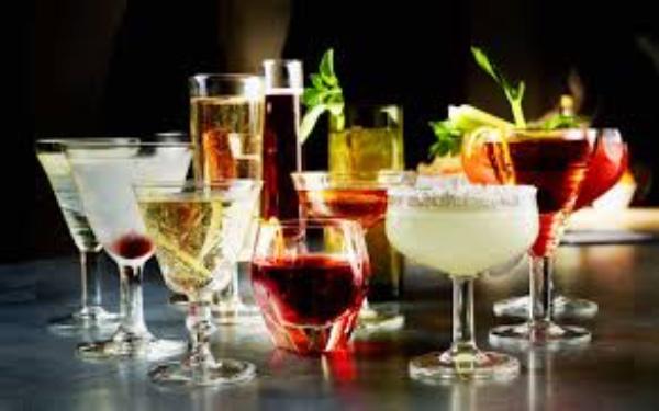 Cocktail là gì? Khám phá những điều cơ bản phải biết về cocktail