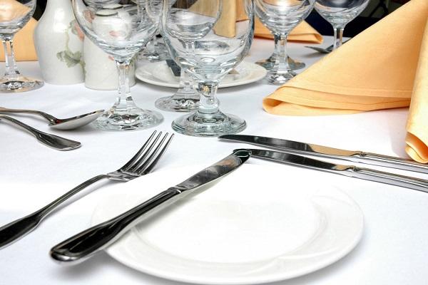 Trong bộ Cutlery hoàn chỉnh có rất nhiều loại dao khác nhau