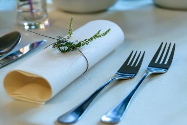 Khám phá dụng cụ nĩa trong bộ Cutlery