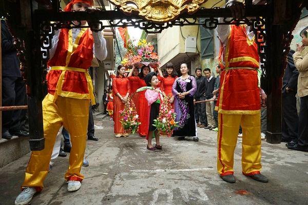 Hòa mình trong không gian lễ hội làng Thổ Hà