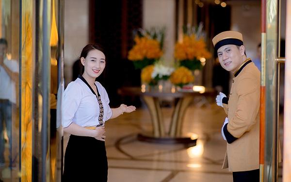 Một Hostess chuyên nghiệp
