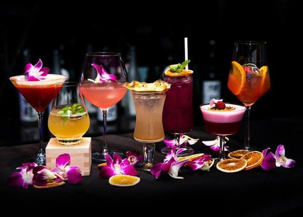 Những ly cocktail tại lounge