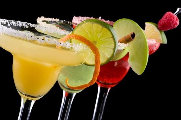 Bạn có thể tự tay mình biến tấu Margarita với nhiều hương vị khác nha