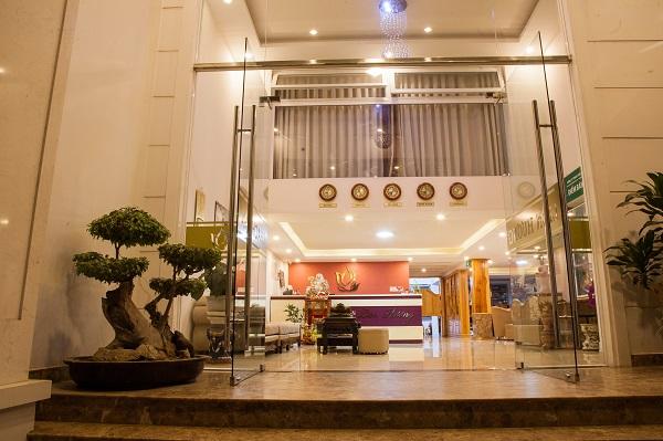 Khách sạn 2 sao thiết thế đẹp mắt, tinh tế
