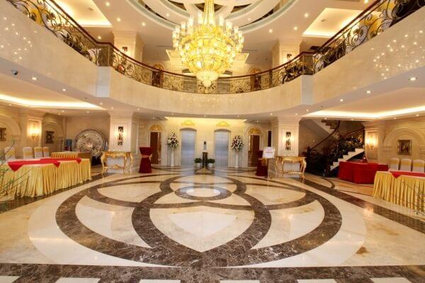 Mặt tiền khách sạn tân cổ điển được yêu thích