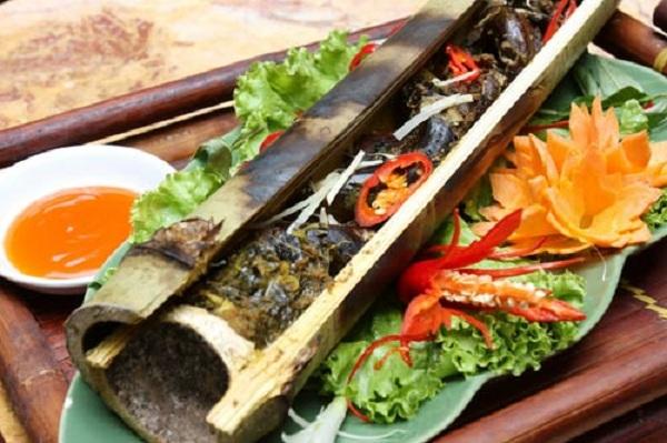 Món cá nướng trong ống lồ ô đã có mặt trong rất nhiều nhà hàng, khách sạn