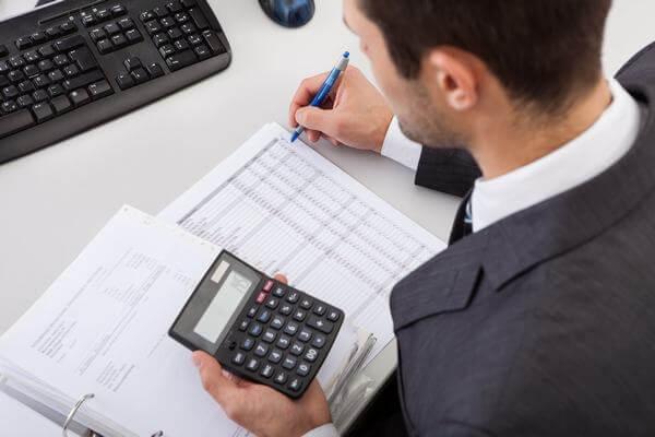 Nhân viên kế toán xử lý đầu kỳ