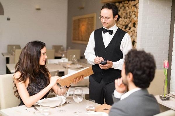 Phải có trách nhiệm với từng món ăn khách đặt, chú ý không ghi sai