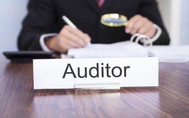 Night auditor là gì? Công việc của nhân viên Night auditor trong khách sạn