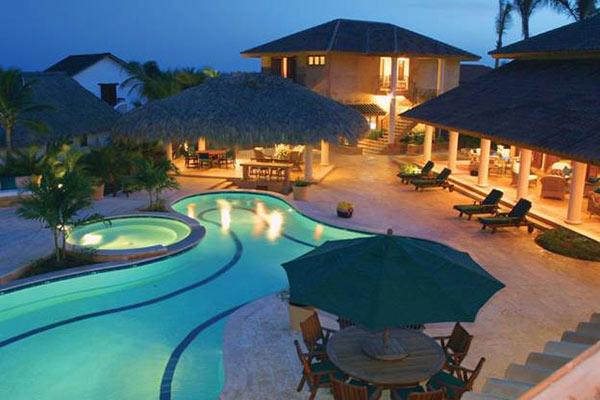 Resort không thể thiếu với bể bơi ngoài trời
