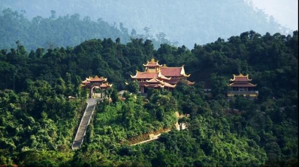 Từ xa xưa núi Yên Tử đã được mang Danh Sơn đất Việt