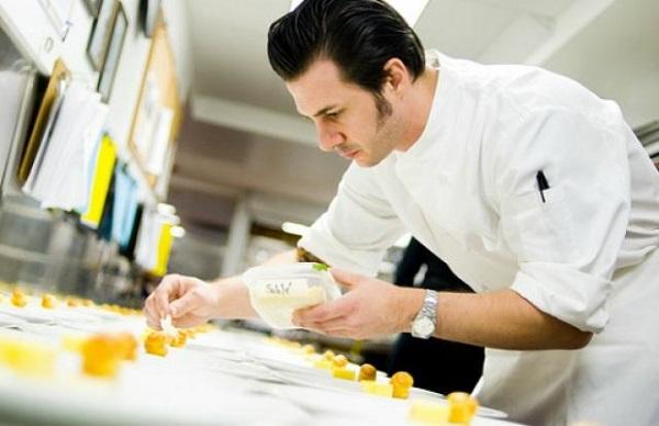 Pastry Chef là bếp trưởng bộ phận bánh