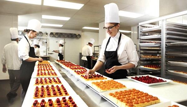 Pastry Chef chuyên nghiệp