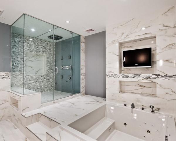 Phòng tắm cửa kính, đá vân vô cùng sang trọng