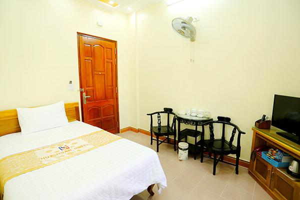 Phòng khách sạn 1 sao thường có diện tích bé với các vật dụng tiện nghi thông thường