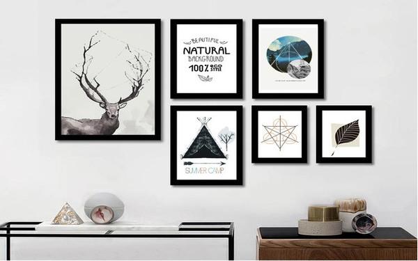 Thiết kế bất xứng của trang trắng đen tạo phong cách độc lạ