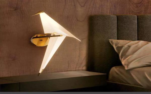 Đèn ngũ treo tường với thiết kế hình chim hạc ấn tượng