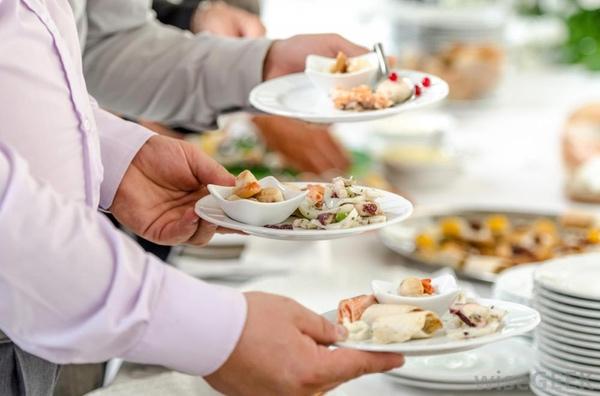 Plate service là gì ? Những điều cần biết về Plate service