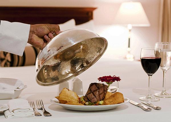 Hình thức phục vụ này giúp món ăn được phục vụ nhanh, luôn nóng sốt