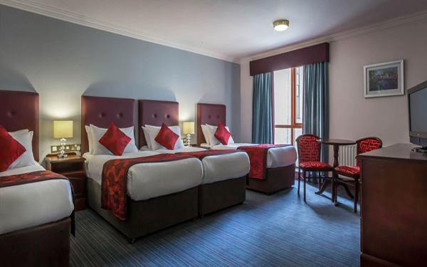 Quad room là gì? Tiêu chuẩn phòng Quad room trong khách sạn