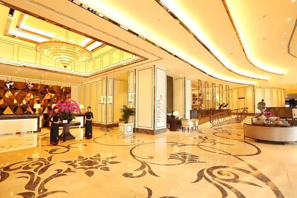 mẫu quầy lễ tân khách sạn 5 sao