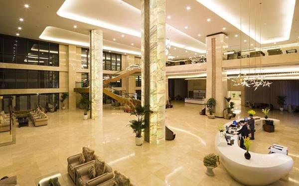 Top các mẫu quầy lễ tân khách sạn 5 sao đẹp đẳng cấp