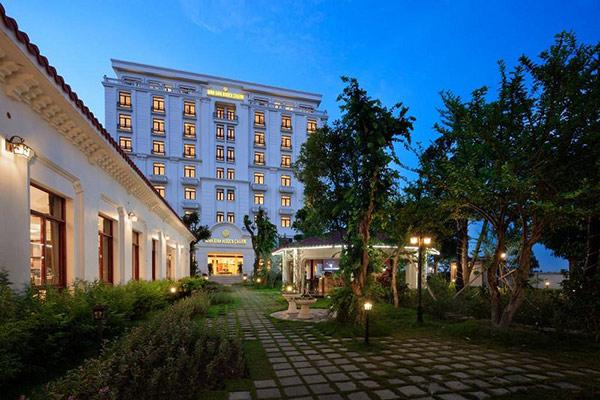 Ninh Bình Hidden Charm Hotel And Resort được đánh giá cao trên các trang review