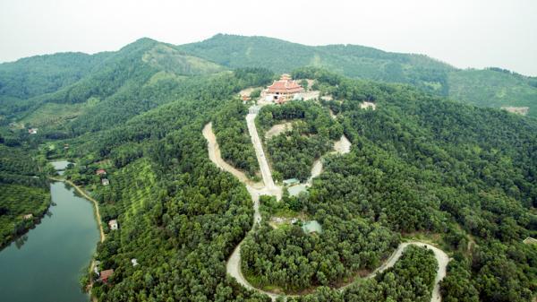 Do đặc trưng địa hình núi cao nên khí hậu trong lành