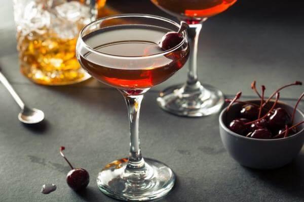 Rượu Vermouth được tạo ra từ những nguyên liệu tuyển chọn