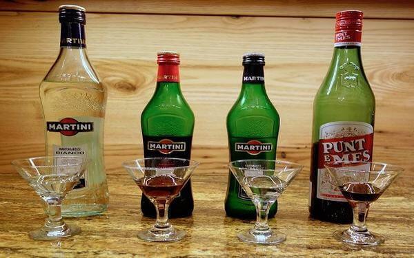 Rượu Vermouth là gì? Khám phá phong cách thế giới rượu Vermouth