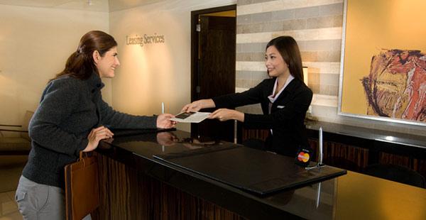 Bộ phận đặt phòng cần giỏi nghiệp vụ và có kỹ năng giao tiếp
